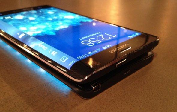Лучший сенсорный телефон 2015